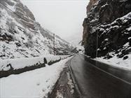 امدادرسانی به ۲۵۰ مسافر گرفتار در برف و کولاک/  محور شهرکرد - بازفت بازگشایی شد