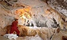 غارهای نمکی گرمسار باید به خوبی به گردشگران معرفی شود