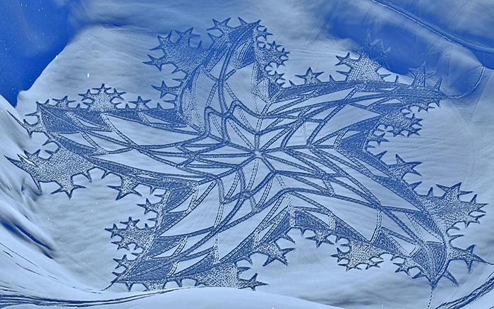IMG20105815 خلق آثار هنری با دویدن بر روی برف