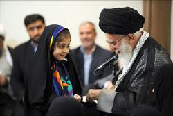 حاشیه ی دیدار خانواده های شهیدان مدافع حرم با رهبر معظم انقلاب اسلامی