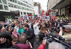 تظاهرات برای استعفای نخستوزیر