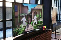 تلویزیون هوشمند فوق دقیق با قابلیت کنترل دیگر لوازم منزل