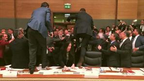 زد و خورد در یکی از کمیسیون های مجلس ترکیه