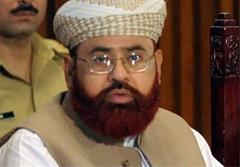 اعتراض گسترده به برکناری عالم پاکستانی
