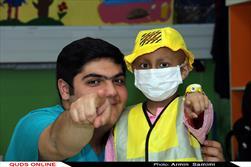 در بخش کودکان سرطانی