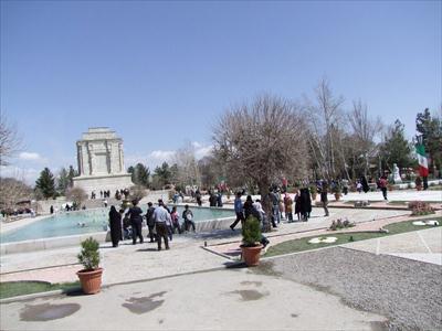 گزارش تصويري گردشگران نوروزي در شهر توس