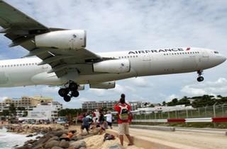 فیلم / عجیب ترین فرودگاه های جهان