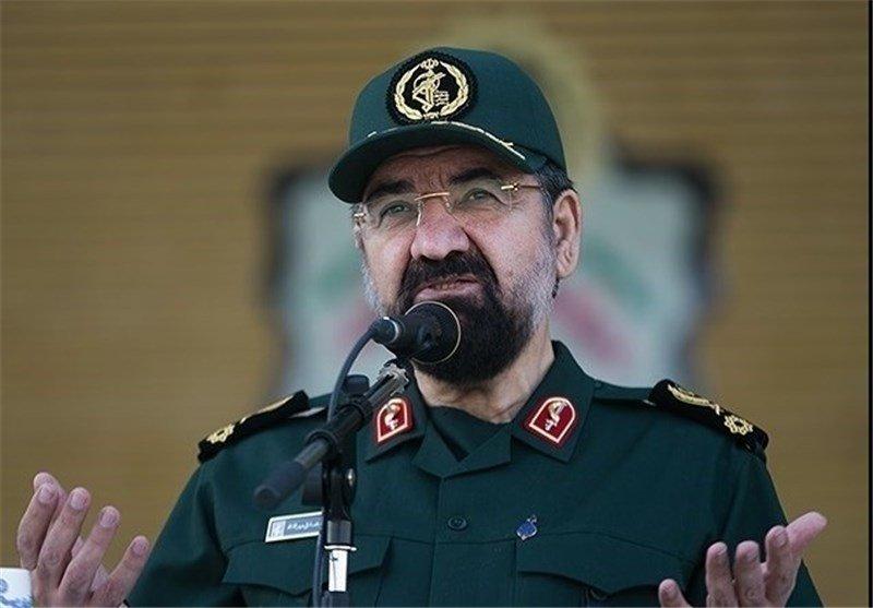 اختلاف نظر امام و هاشمی رفسنجانی درباره پایان جنگ / جنگ در همه ابعاد دولتمردان را آبدیده کرد / ناگفتههایی از ماجرای مکفارلین