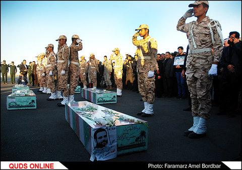استقبال از پیکر 5 شهید تازه تفحص شده در مشهد