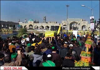 تشییع شهید مدافع حرم در حرم مطهر رضوی/گزارش تصویری