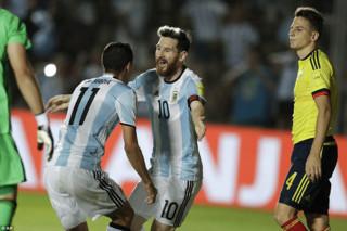 دیدار تیم های ملی فوتبال آرژانتین و کلمبیا