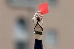 کارت قرمز داور فوتبال