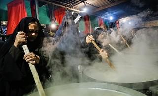 پخت نذری در شب ۲۸ صفر