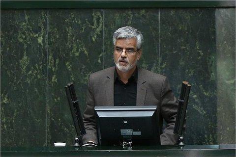 محمود صادقی با قرار کفالت آزاد شد/انجام تحقیقات در دادسرا