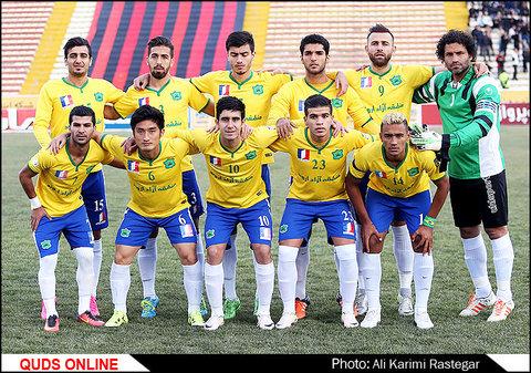 مسابقه فوتبال سیاه جامگان-صنعت نفت آبادان