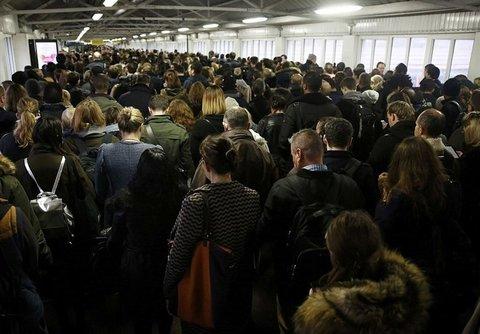 اعتصاب کارکنان مترو