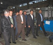 وزیر دفاع از چند شرکت تولیدی و صنعتی در شهرکرد بازدید کرد