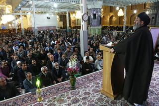سید هاشم الحیدری در حرم مطهر رضوی
