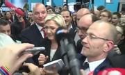 فیلم / حمله محافظان مارینلوپن به خبرنگار فرانسوی