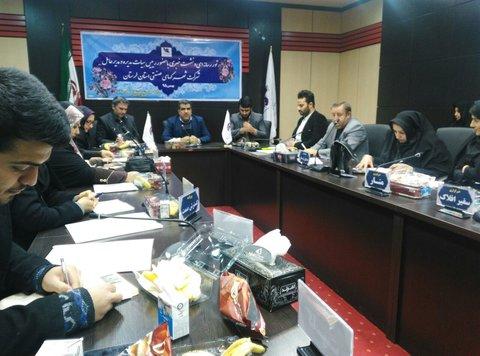 جلسه مدیرعامل شرکت شهرک هایصنعتی باخبرنگاران
