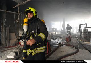 آتش سوزی ساختمان بلوارسجاد مشهد/گزارش تصویری