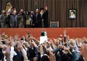 """الإمام الخامنئي: نزعة الشعب الايراني """"ثورية ودينية"""" والعام الجديد سيكون هاما"""