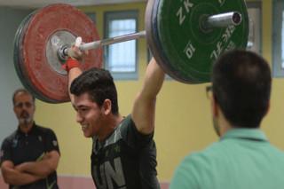 تیم ملی وزنه برداری نوجوانان