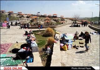 گردشگران نوروزی در پارک طبیعی و مجموعه گردشگری هفت حوض مشهد