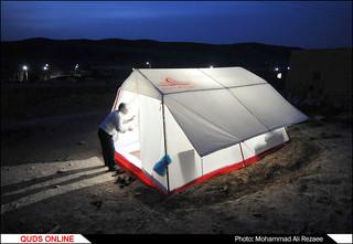 توزیع کمک های مردمی به زلزله زدگان