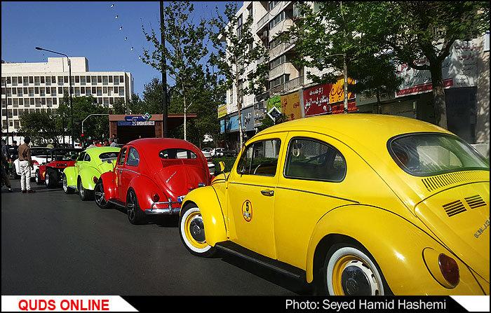 رِژه فولکس ها درخیابان های مشهد/تصاویر