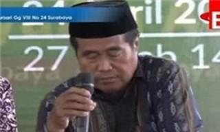 فیلم / مرگ قاری مالزیایی حین تلاوت قرآن