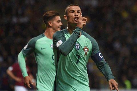 دیدار تیم های ملی فوتبال لتونی و پرتغال