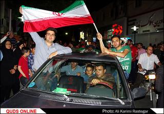 جشن و شادی مردم پس از صعود مقتدرانه تیم ملی فوتبال به جام جهانی