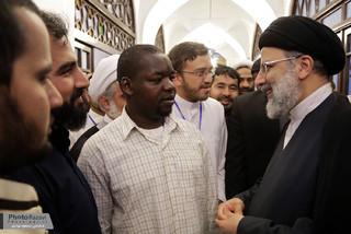 حضور تولیت آستان قدس رضوی در جمع طلاب غیرایرانی معتکف در مسجد گوهر شاد