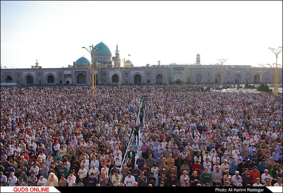 مراسم با شکوه نماز عید فطر در حرم مطهر رضوی/گزارش تصویری1