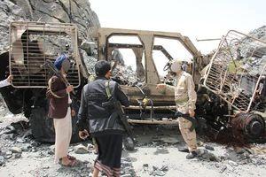 انهدام خودروهای نظامی اماراتی