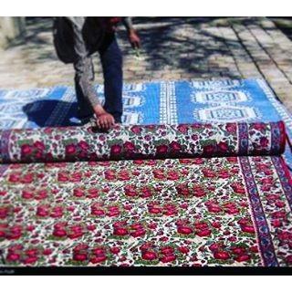 قالی گل سرخ