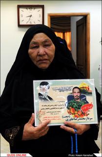 خانواده شهدای نهضت مقاومت به حرم رضوی مشرف شدند/گزارش تصویری