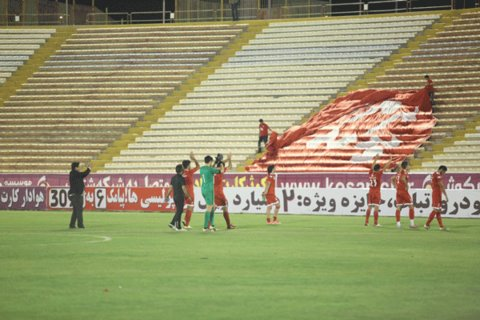 تمرینات تیم فوتبال پدیده در ورزشگاه امام رضا(ع) برگزار میشود