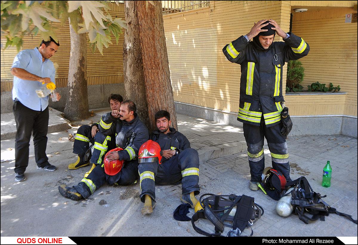 آتش سوزی در خیابان میلاد مشهد