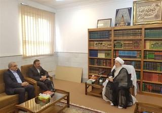 دیدار آیت الله مکارم شیرازی با رئیس دفتر رئیس جمهور