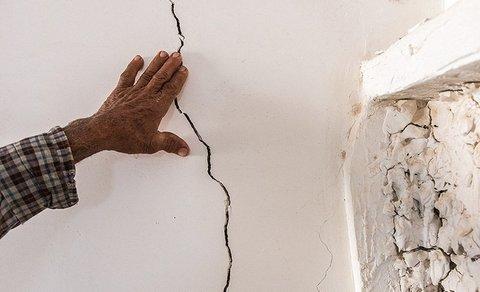 ترک خوردگی دیوار ناشی از زلزله
