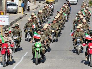 رژه31شهریور نیروهای مسلح در شهرستان لنده +تصاویر