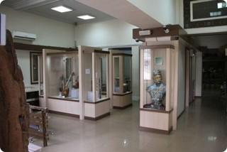 بازدید از موزه-میراث فرهنگی