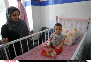 عیادت از کودکان بستری در بیمارستانها