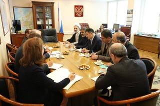 نمایندگان مجلس با رئیس کمیته انرژی دومای روسیه