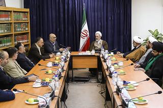 دیدار رئیس مرکز آمار ایران با آیت الله اعرافی