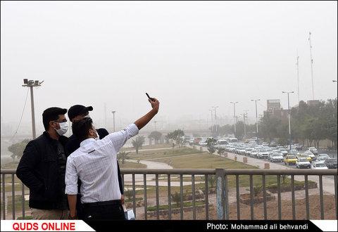 خوزستان ایستاده در غبار