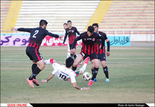 دیدار تیم های تیمهای فوتبال مشکی پوشان مشهد - سپیدرود رشت