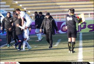 دیدار تیم های فوتبال پدیده - صنعت نفت ابادان